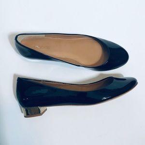 J Crew Lily Black Patent Flats Gold Heel EUC 7